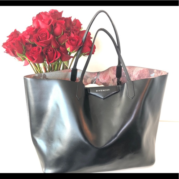 8fef9775adaf Givenchy Handbags - Givenchy antigona tote